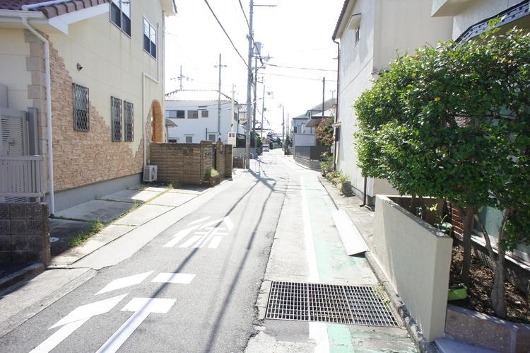 南海電鉄高野線「初芝」駅利用可能です。