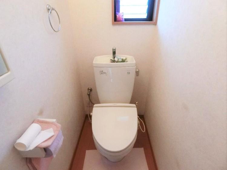 各階にトイレがございますので、朝の忙しい時間帯もスムーズに準備が出来ますね。
