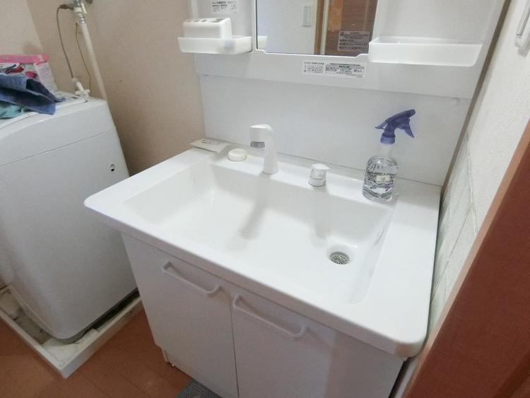 広く使いやすい洗面ボウルはお手入れも楽ちんです。