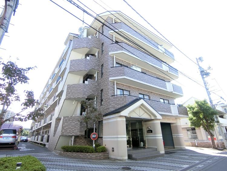 ヴェラハイツ草加新田駅前 外観です。