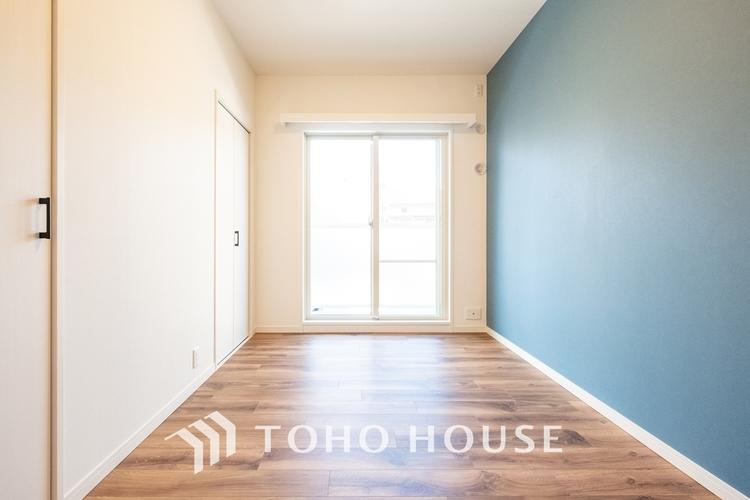 〜明るい居室〜 温もりある自然光を感じていただける居室です。色褪せることのない心地良い空間です。