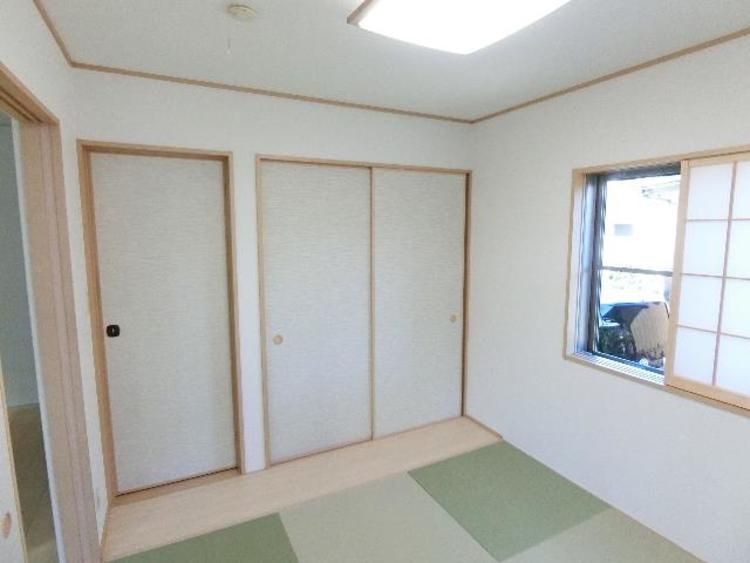 約4帖の和室です。畳のお部屋が一部屋あると嬉しいですね。