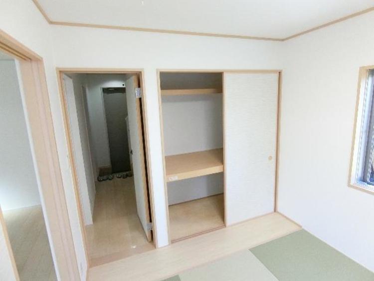 押入れです。たっぷり収納できるのでお部屋を有効的に使うことが出来ます。