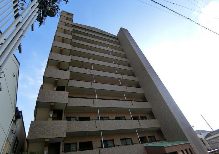 12階建て5階、4LDKのお部屋です。