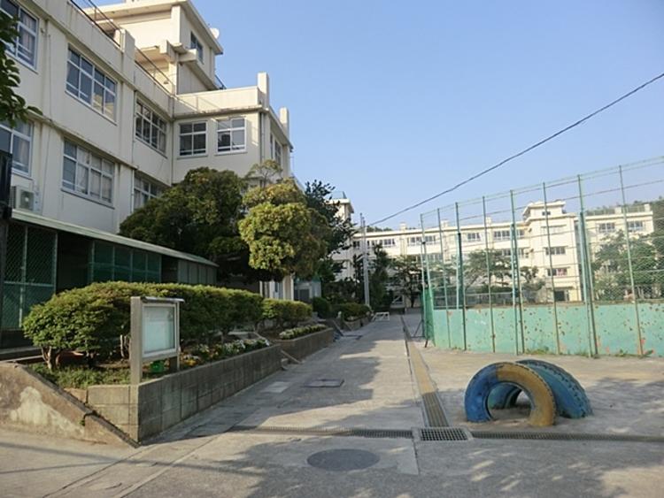 市立菅生小学校 徒歩8分(約600m)