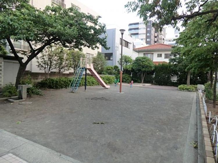 鶴見中央三丁目公園  600m