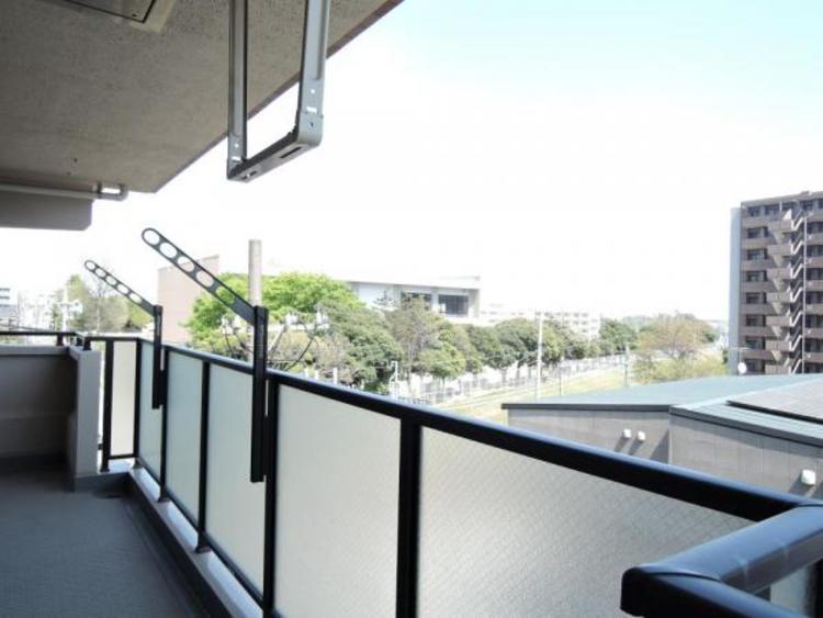 4階部分に位置し通風・眺望良好