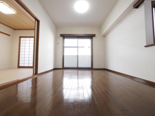 ステイツ武蔵野東大和グランパサージュの画像
