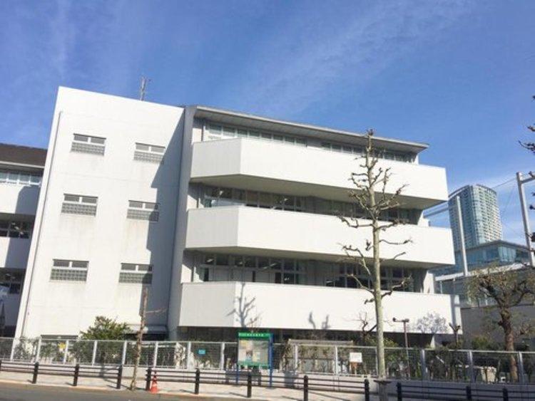 港区立赤坂小学校まで253m。家庭・地域・社会と連携して子供を育む学校を目指す。