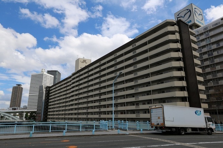 1981年2月築の地上12階建て総戸数238戸の大規模マンションです♪