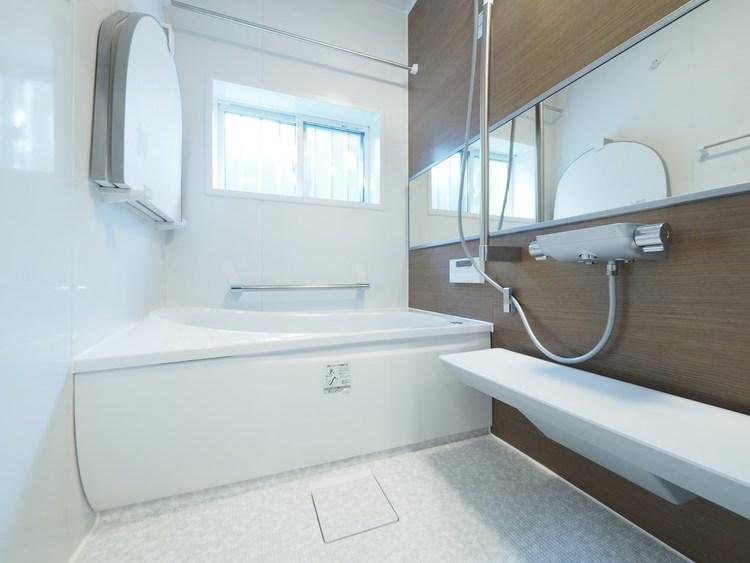 お風呂場を癒しの空間とするために、快適で心地の良い、お気に入りのバスタブを選びたいものです。