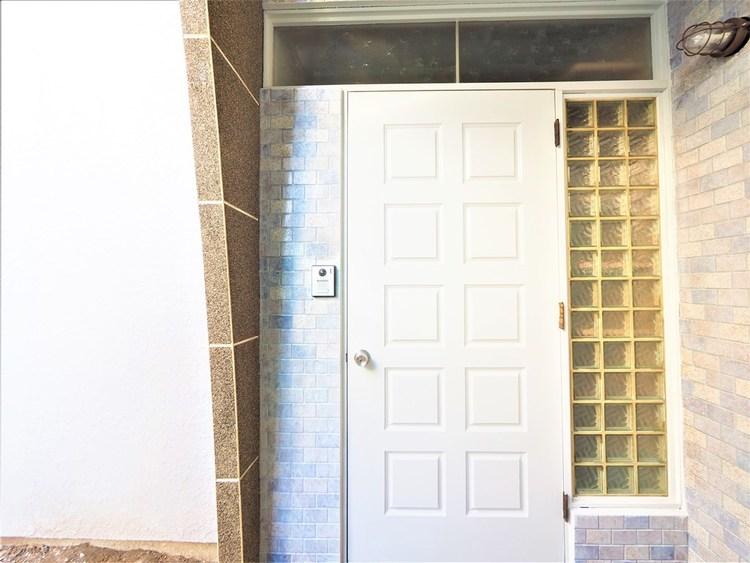 お家に出会う人々を出迎える玄関だからこそ、広々清潔感あふれる空間にしたいもの。