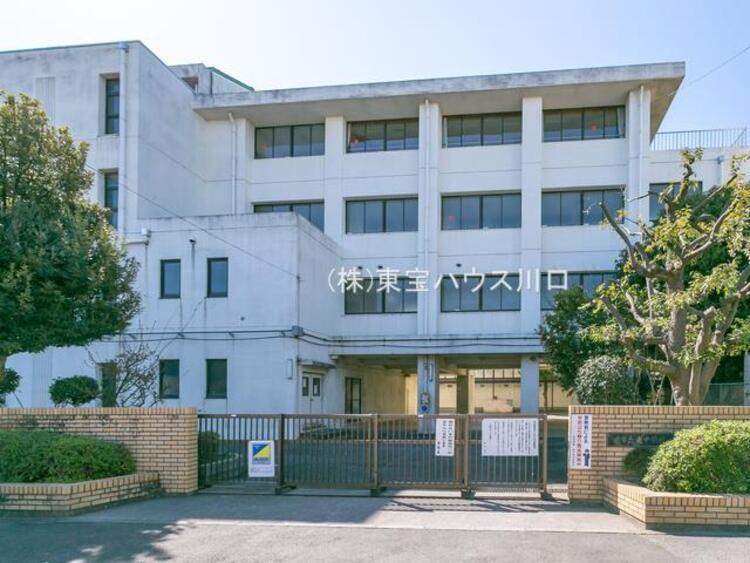蕨市立東中学校 距離1440m