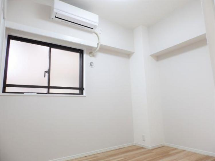 洋室にエアコン付き
