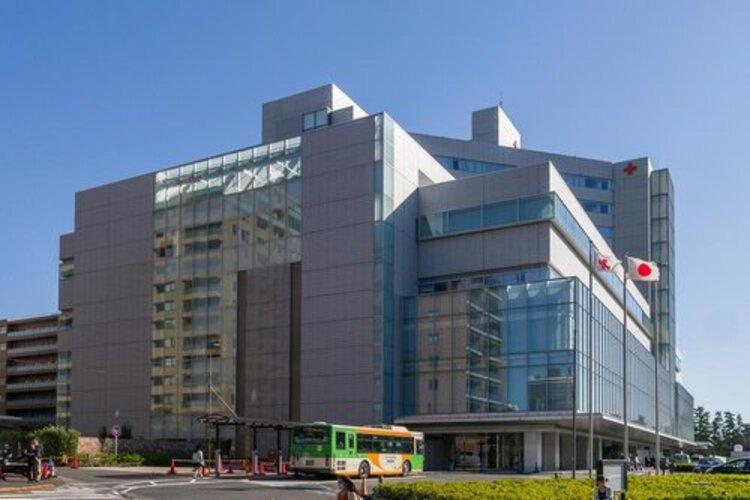 日本赤十字医療センターまで2100m 赤十字精神である人道・博愛を体現する病院として、 高度かつ安全な医療を通して、皆様のより健やかな生活を支援していきたいと願っています。