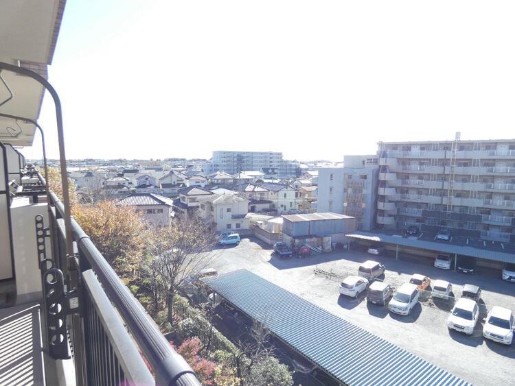 バルコニーからの眺望、眺めがいいですね。