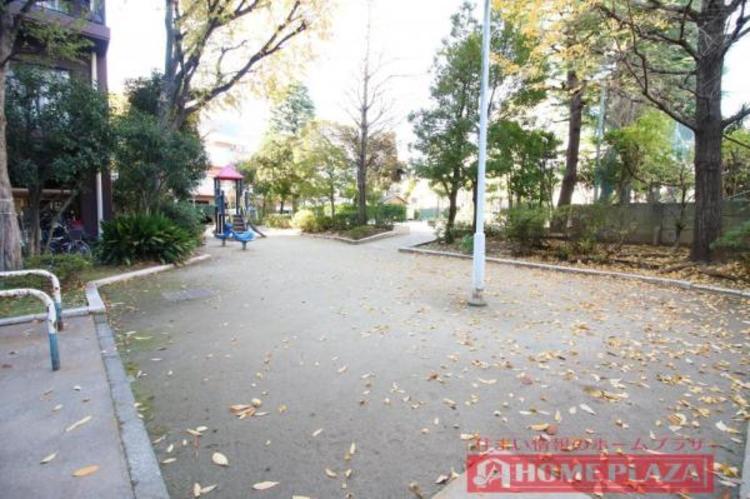 公園が点在しており、子育て世代にも嬉しい立地です。