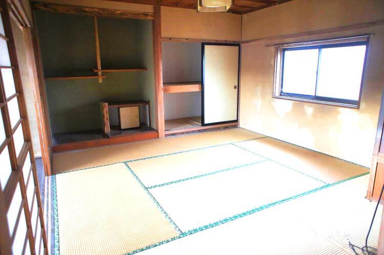 1階の約8帖の和室です。