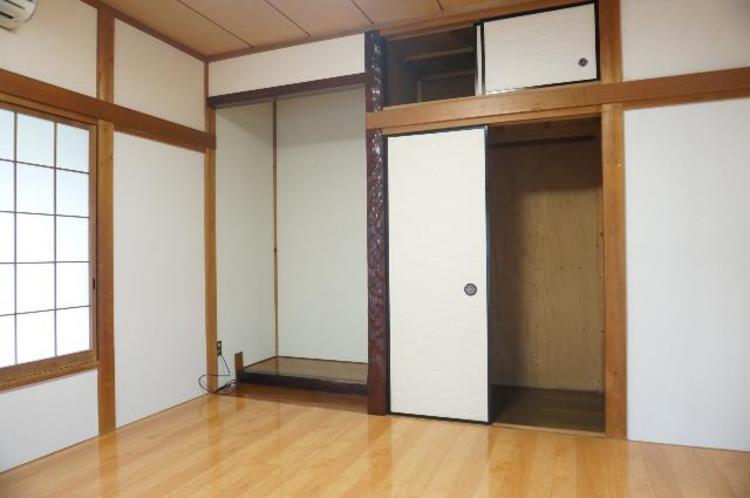 床の間のある和室です。趣があり、客間としてもぴったりですね。