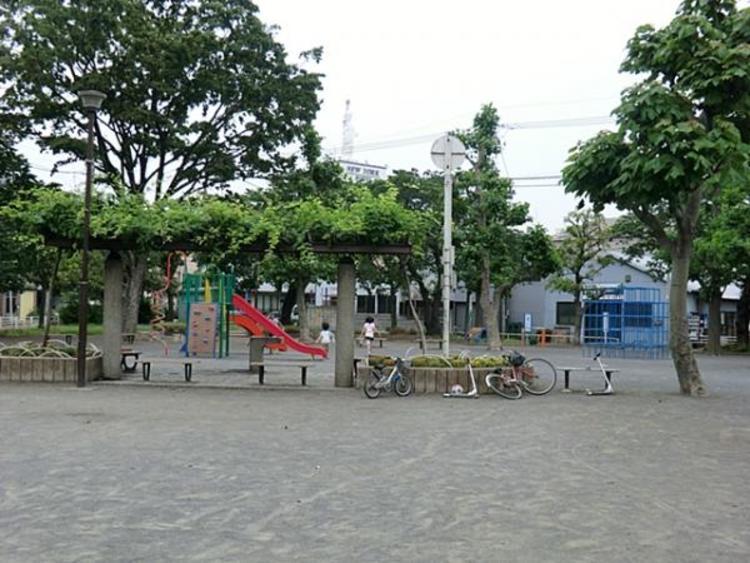 市場公園 465m