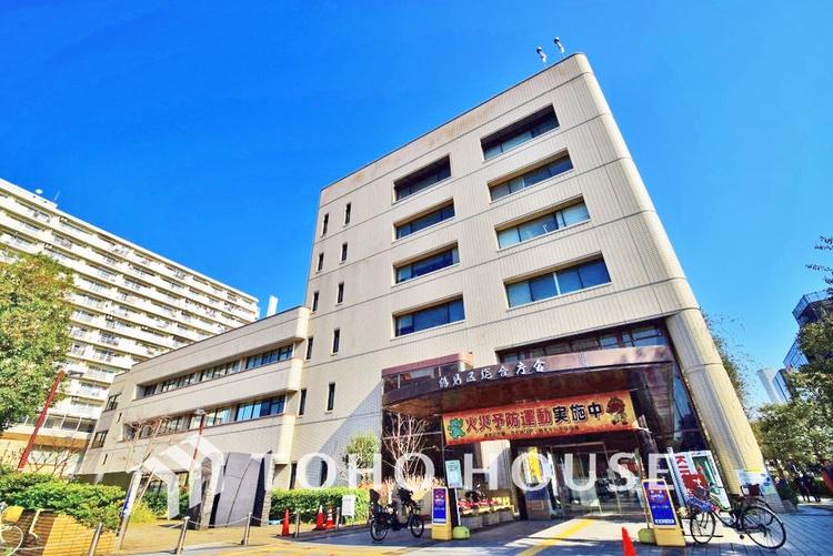 横浜市鶴見区役所 距離350m