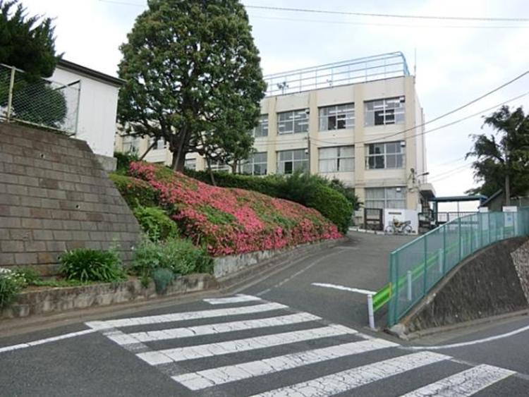 大田区立馬込東中学校 290m