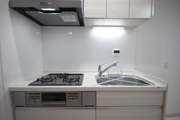使いやすくスタイリッシュなキッチン空間。開放感があり、日々の料理が楽しくなります。
