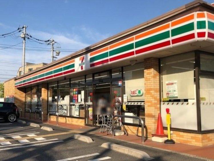 セブン-イレブン 世田谷玉堤1丁目店まで155m。いかなる時代にもお店と共にあまねく地域社会の利便性を追求し続け毎日の豊かな暮らしを実現する。