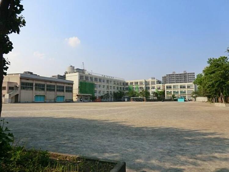 品川区立鈴ケ森中学校812m