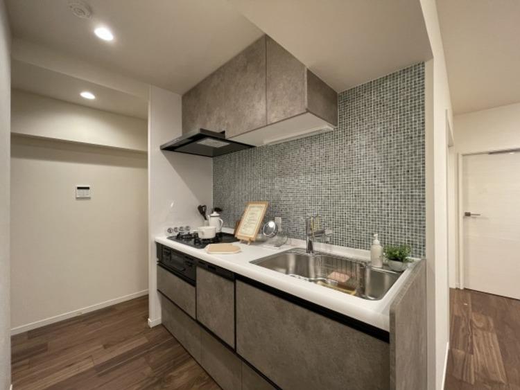 スムーズに家事をこなせて、機能性が高く使い勝手のよいキッチン。デザイン性にも優れています。