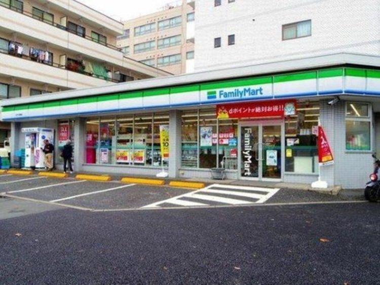 ファミリーマート江戸川球場店まで270m。24時間営業。物件からすぐ近くにありますので、とても便利です。