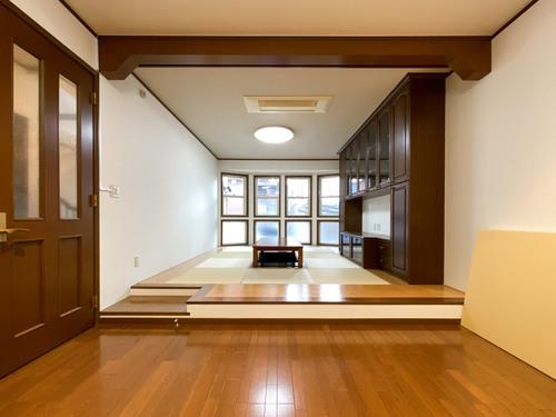 平成12年築 国立市富士見台の「邸宅」の物件画像