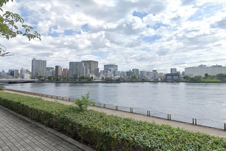 隅田川沿いを気持ちよくお散歩・ランニングできます