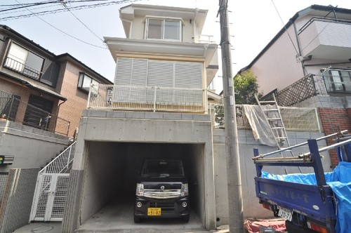 横浜市磯子区岡村1丁目戸建の物件画像