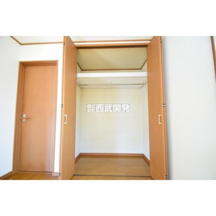各居室に収納つきです。お部屋をすっきり整理するには大きなクローゼットがあると便利ですね。