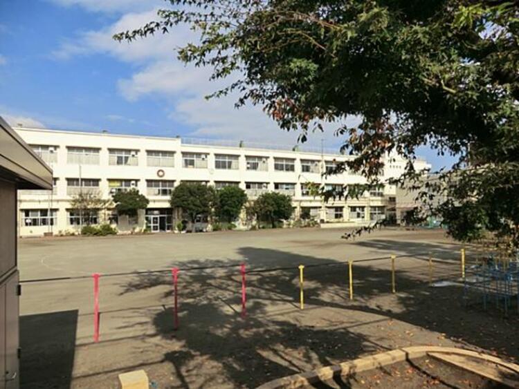 横浜市立日吉台小学校 850m
