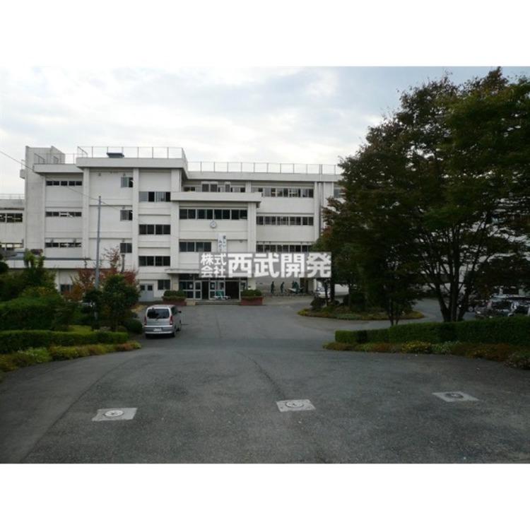 飯能西中学校(約1700m)