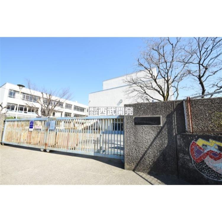 第二中学校(約730m)