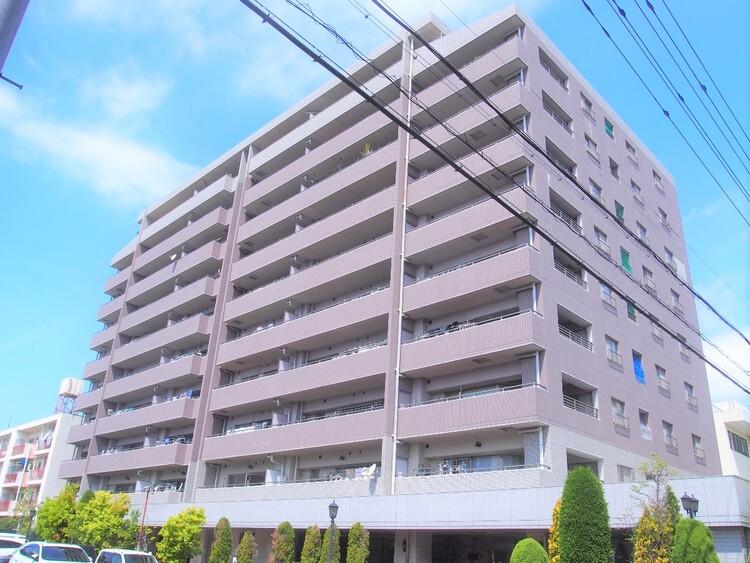 RC造10階建最上階部分。開けた眺望の住まいです。