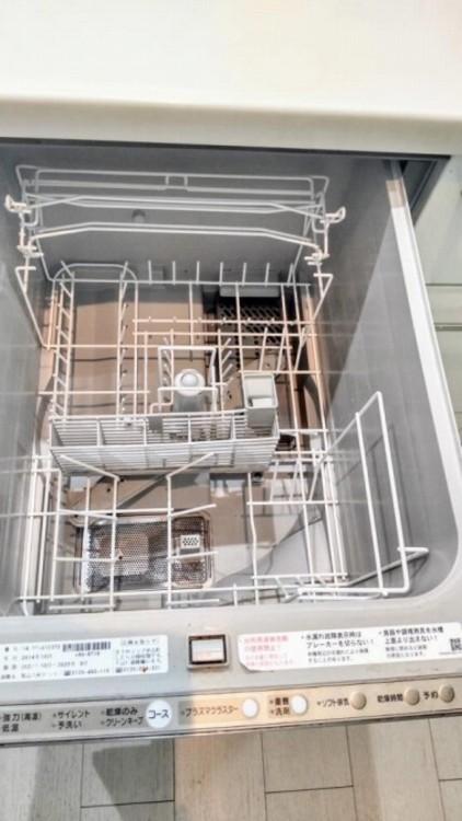 手洗い作業の手間が省けるキッチン食洗機