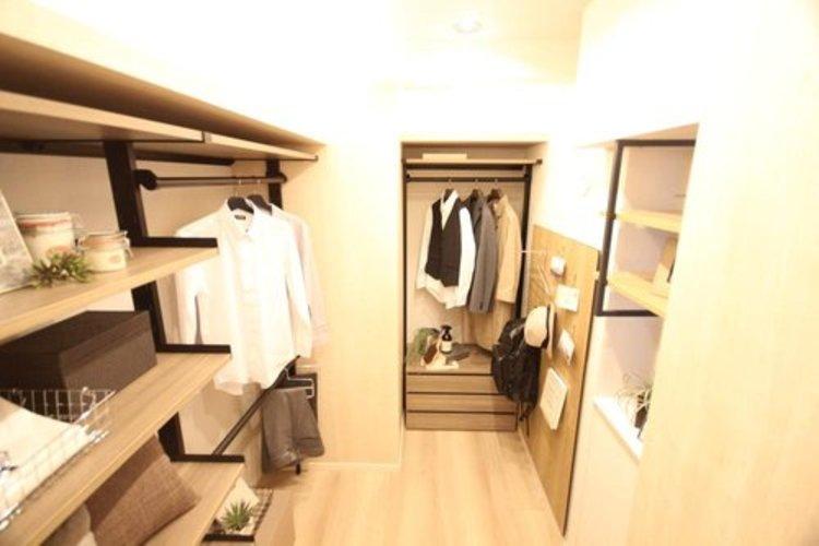 サービスルームは、ストレージやお客様の寝室などフレキシブルにご利用いただけるため、お部屋の使い勝手を一層上げてくれます。