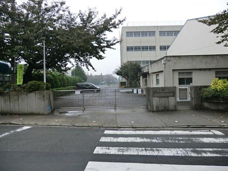 横浜市立浦島小学校400m