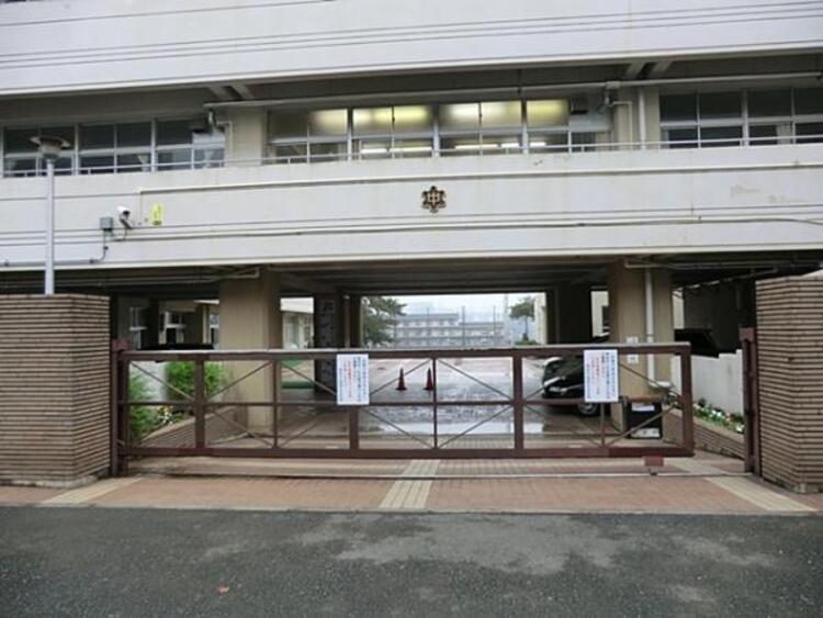横浜市立浦島丘中学校800m