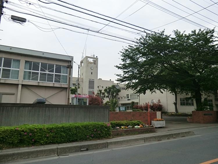 大谷中学校 徒歩10分(約740m)
