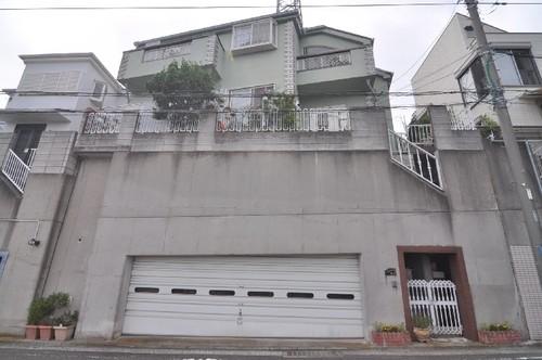 横浜市南区中里2丁目戸建の画像
