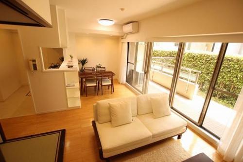 ルイシャトレ町田ヒルズ 「町田」駅歩7分 家具付き 即入居可能の画像