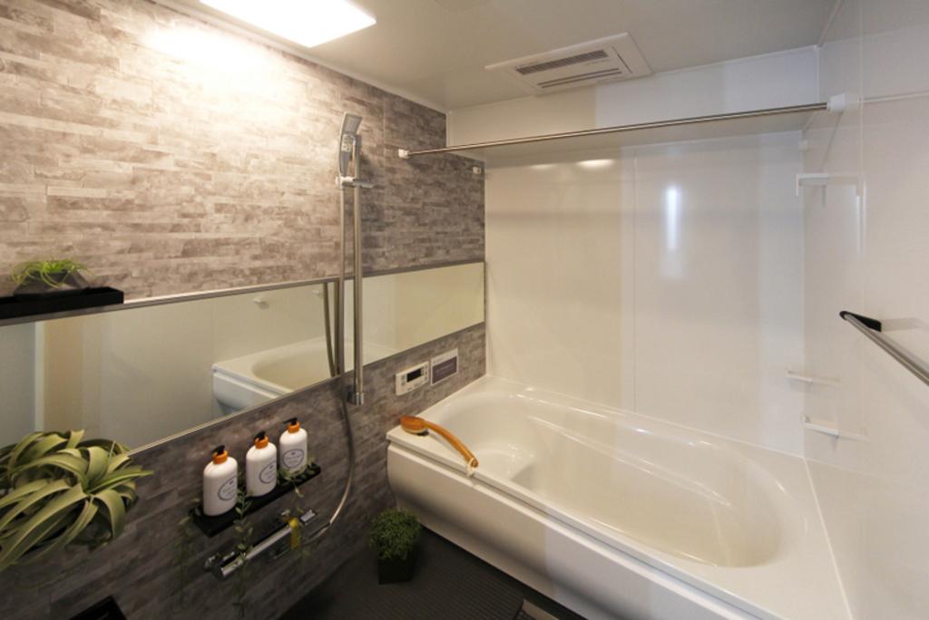 浴室換気暖房乾燥機付きなのでいつでも快適入浴♪