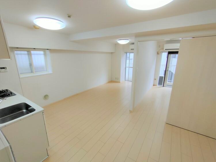 ◇リビング 開放的な自遊空間。季節ごとに壁飾りや家具の配置を変えて楽しんでみるのはいかがでしょうか?