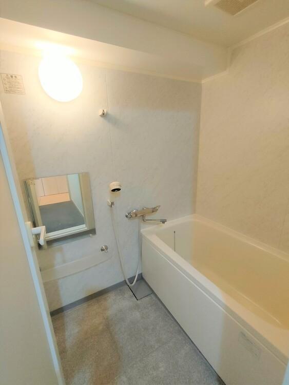 ◇浴室 一日の疲れを癒す貴重なリラクゼーションスペース。ゆっくりとした時間を過ごせるゆとりあるバスルームは毎日使いたくなりますね。