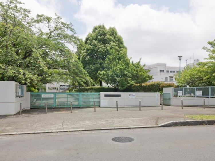町田市立小山田中学校 距離約1700m